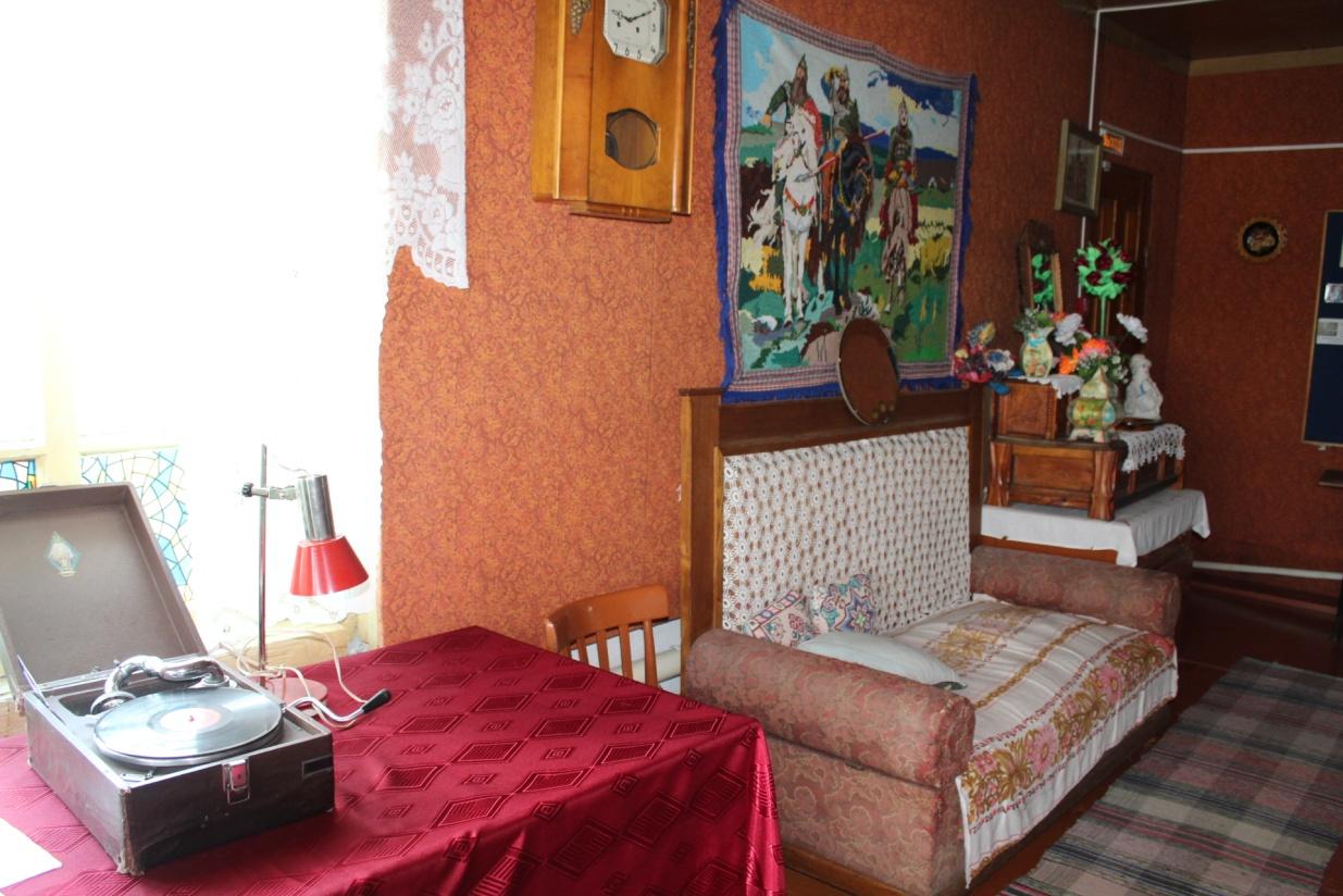 Экспозиция «Интерьер деревенского жилья середины ХХ века»